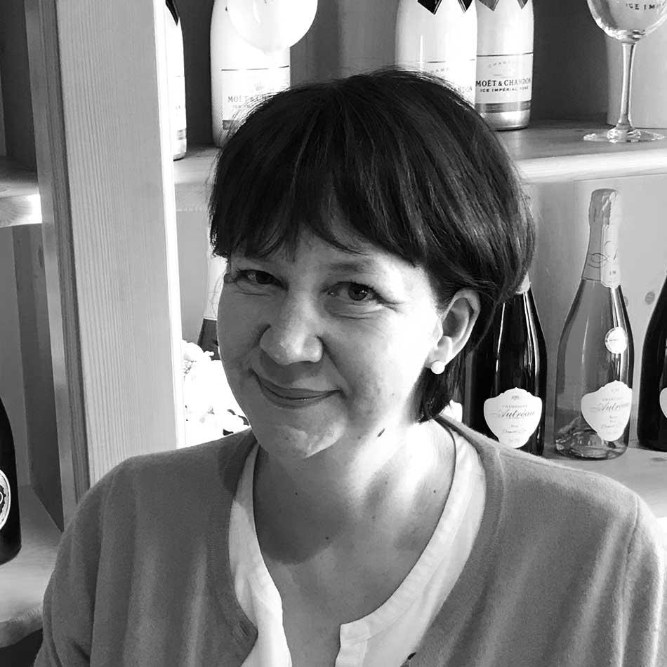Kristina Bernhardt, Kundenservice & Buchhaltung bei Getränke Hofmann, Ihrem Getränke-Lieferant im Dillkreis seit 1892